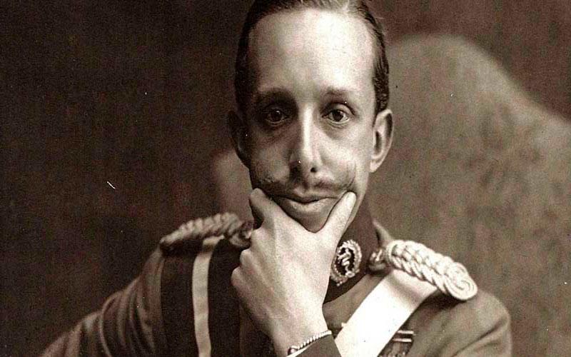 Alfonso XIII, el niño que nació rey. Algunas curiosidades