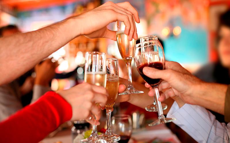 Cenas navideñas de empresa: a darlo todo sin olvidar la #cortesía