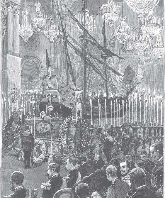 Funeral conmemorativo con nave dentro de la nave